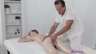 Deep pussy action on the massage table around an older masseur