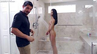 Sweet elvish stepdaughter seduces her stepdad in the shower