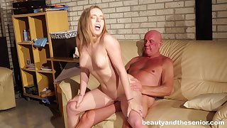 Massage makes Danielle Soul horny for his gumshoe and she gets fucked